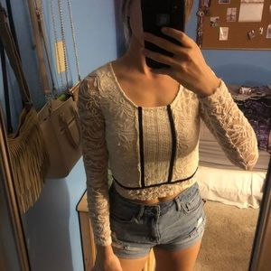 Crop top white lace